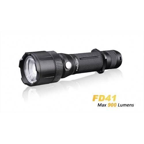 FENIX TORCIA LED FD41 900 LUMEN